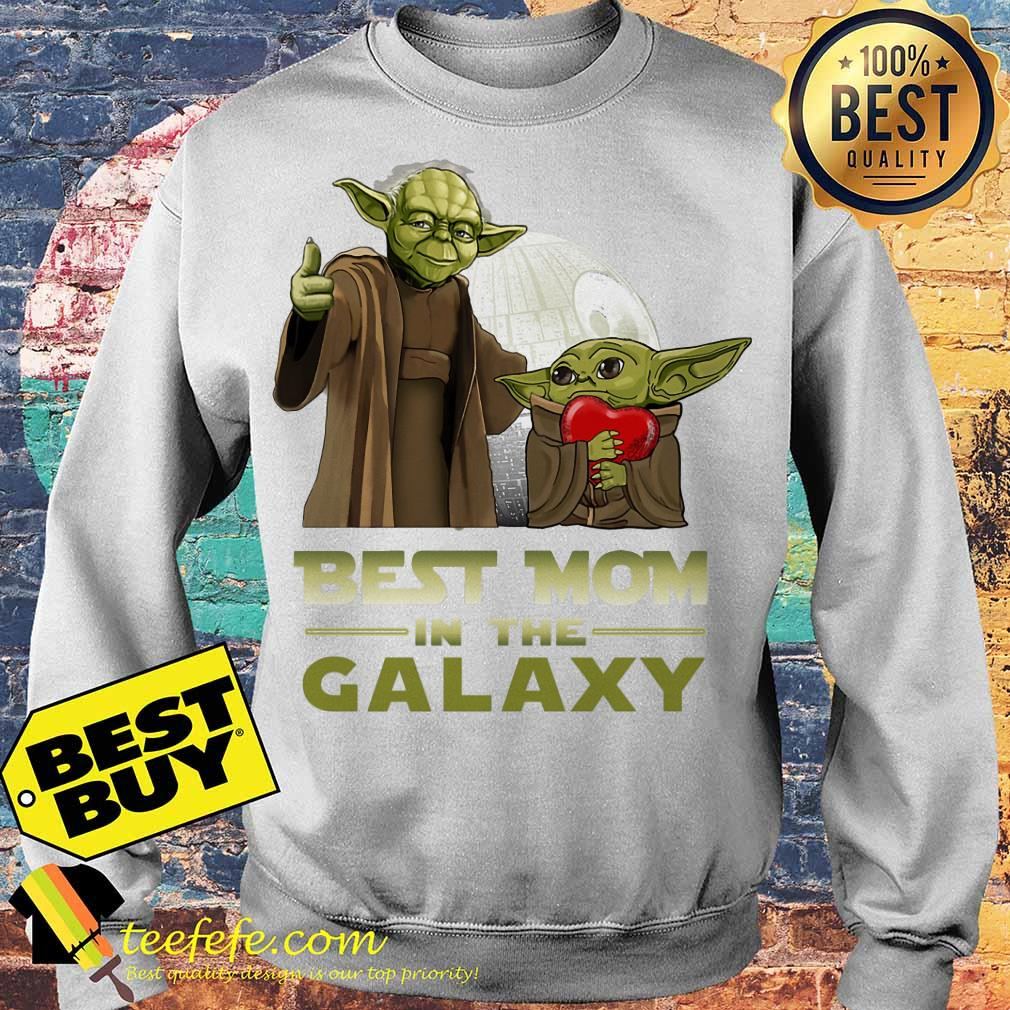 Master Yoda And Baby Yoda Best Mom In The Galaxy Heart sweatshirt